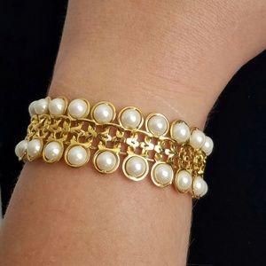 Vintage Avon Faux Pearl Link Bracelet